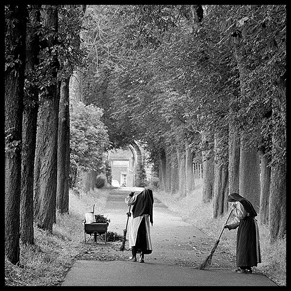 THE SWEEPING NUNS<br>LILLE, FRANCE